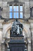 Friedrich August statue