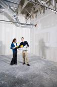 Leute in Büroräume bereit für buildout