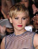 LOS ANGELES - NOV 18:  Jennifer Lawrence arrives to the