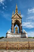 picture of kensington  - The Albert Memorial in Kensington Gardens - JPG
