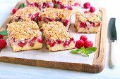 Raspberry Crumble Cake S