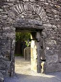 A porta da Catedral de Glendalough