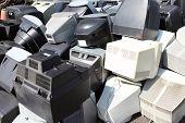 Monitores de ordenadores rotos viejo