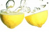 Lemons Splashing