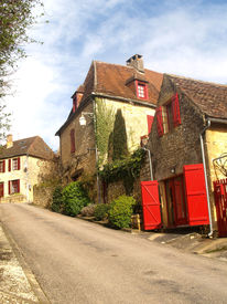picture of domme  - The medieval French hill top town of Domme - JPG