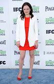 LOS ANGELES - MAR 01:  Elisabeth Moss arrives to the Film Independent Spirit Awards 2014  on March 0