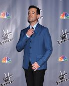 LOS ANGELES - NOV 07:  CARSON DALY arrives to the The Voice Season 5-Top 12  on November 7, 2013 in Universal City, CA