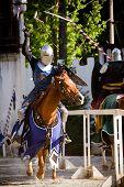 Cavaleiros justas no Renaissance festival