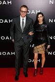 NEW YORK-MAR 26: Actor Paul Bettany (L) and wife Jennifer Connelly attend the premiere of