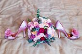 foto of dowry  - Wedding accessories for the morning of the bride in pink  - JPG