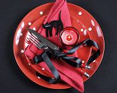 Elegant Red And Black Theme Halloween Party Dining Table Place Setting With Plates, Cutlery, Black C