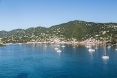 Постер, плакат: Sailboats Moored In Blue Water Of St Thomas Bay
