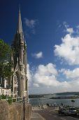 Catedral e uma baía de Titanic