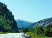 Summer Mountain Road (norway).