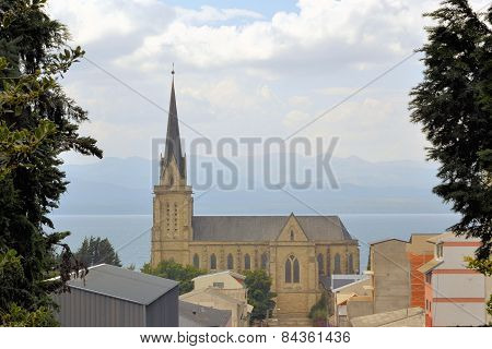 Постер, плакат: Cathedral in the city of Bariloche Argentina
