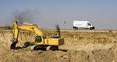 Escavadora_Oruga_Camion