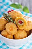 image of olive shaped  - Italian Appetizer Olives baked in cheddar dough - JPG