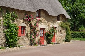 picture of hamlet  - France old hamlet of Kerhinet in Saint Lyphard - JPG