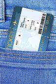 Flugtickets In Jeans Hosen Tasche