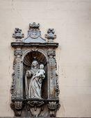 religious statue barcelona