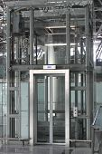 Big Glass Luggage Elevator In The Airportr