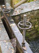 Detalle del mecanismo de la zanja de irrigación