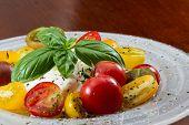Frischer Capresse Salat