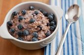 oatmeal porridge with blueberry