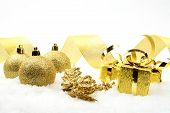 Golden Christmas Gifts,baubles Golden Ribbon On Sno