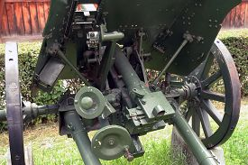 foto of cannon  - Second world war cannon - JPG
