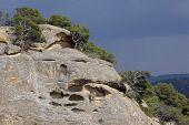 Höhlen In felsigen Berg