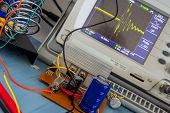 Simple Dc/dc Converter And The Switching Pattern On The Oscilloscope