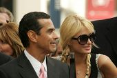 Antonio Villaraigosa  and Paris Hilton at the Ceremony Honoring Los Angeles Lakers Owner Jerry Buss