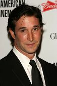Noah Wyle at the 21st Annual American Cinematheque Award Honoring George Clooney. Beverly Hilton Hot