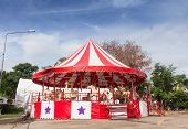 the white and red merry-go-round
