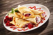 pic of crepes  - Crepes with raspberries and cream - JPG