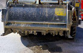 pic of skid-steer  - Milling of asphalt for road reconstruction accessory for skid steer - JPG