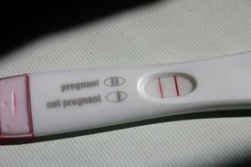 foto of pregnancy test  - A postive home pregnancy test - JPG