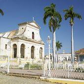 Iglesia Parroquial De La Santísima Trinidad,
