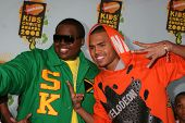 LOS ANGELES - MAR 29:  Sean Kingston, Chris Brown arriving at the 2008 Nickelodeon's Kids' Choice Aw