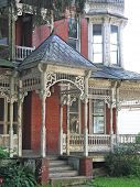 picture of gingerbread house  - Dilapidated Victorian house appears  - JPG