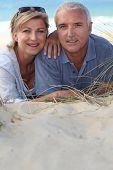 Retrato de turistas en la playa