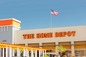 Sacramento, Usa - September 5: The Home Depot Store Entrance On September 5, 2013 In Sacramento, Cal
