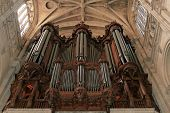 pic of pipe organ  - Picture showing an very old pipe organ in a very old church in Paris