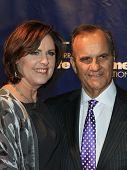 NOVA YORK-JAN 24: Joe Torre e esposa Ali assistir o 10º aniversário Joe Torre segura em casa Foundatio