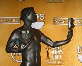 LOS ANGELES - 27 de JAN: El Actor - estatua de Screen Actors Guild oficial en la sala de prensa en el 2013