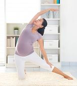 picture of kneeling  - Pregnancy yoga meditation - JPG