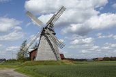 pic of windmills  - The windmill Bierde  - JPG