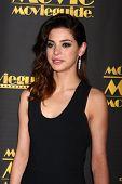LOS ANGELES - 15 de fevereiro: Gia Mantegna chega em 2013 MovieGuide Awards no Universal Hilton Ho