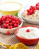 Cereals With Red Currants And Yogurt